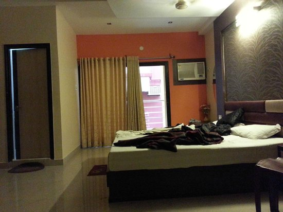 Hotel New One N Only: ROOM NO 409 AC EXECUTIVE