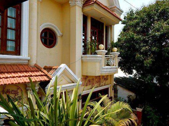 Hong Ky Hotel & Cafe Restaurant