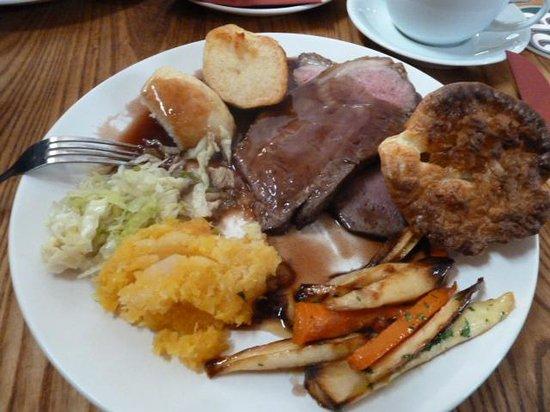 The Quaich Hotel Bar & Grill: Beef sunday roast