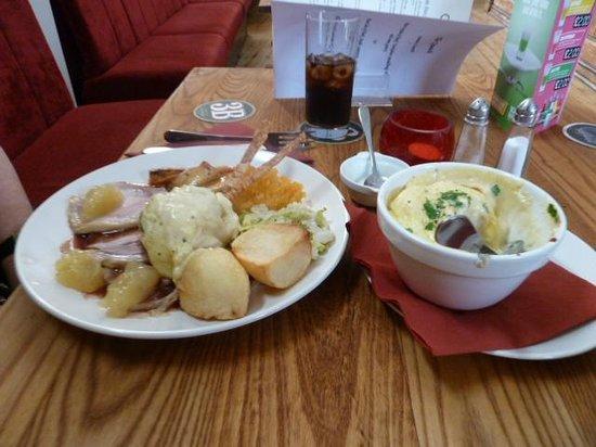 The Quaich Hotel Bar & Grill: Pork sunday roast