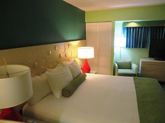 Coconut Waikiki Hotel: bedroom