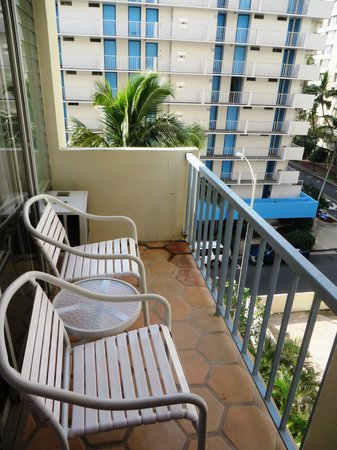 Coconut Waikiki Hotel: nice balcony