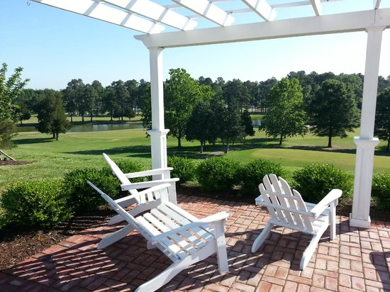 Wyndham Virginia Crossings Hotel & Conference Center : grounds
