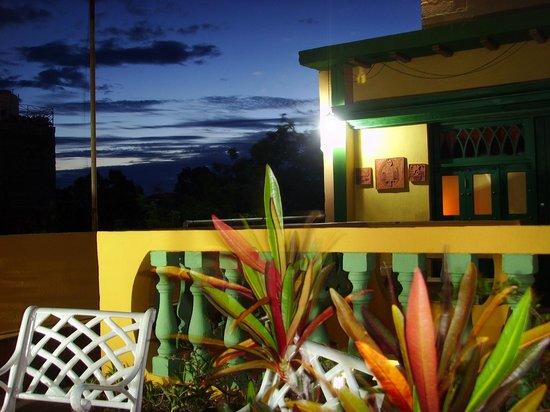 Casa MiCuba: Sunset across the rooftops
