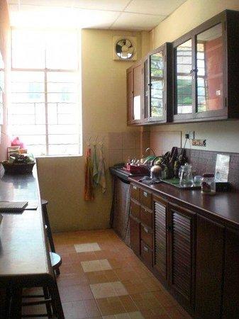 Borneo Backpackers: Kitchen