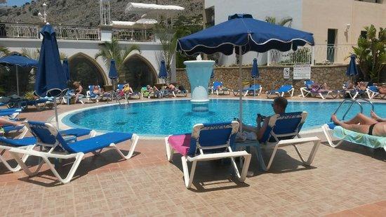 Pefkos Beach Hotel : Pool