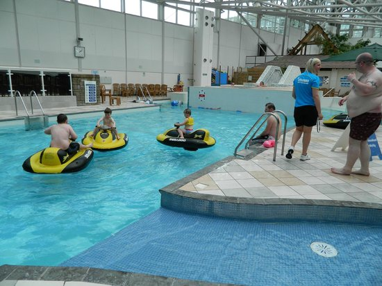 Fun in the pool picture of center parcs whinfell forest for Innovative pool design kings mountain