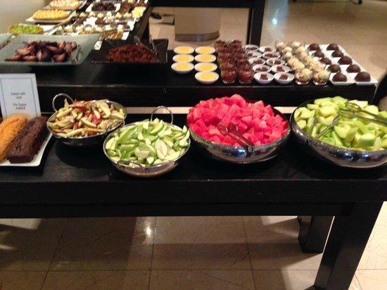 Dan Jerusalem Hotel: Das suesse Buffet