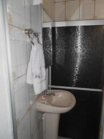 Pousada Safira: Bathroom