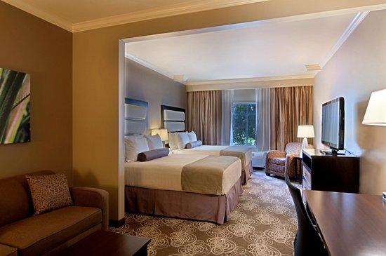 BEST WESTERN PLUS Miami Airport North Hotel & Suites: Double Double Suite