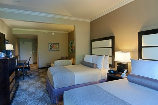 BEST WESTERN PLUS Miami Airport North Hotel & Suites: Double Queen Suite