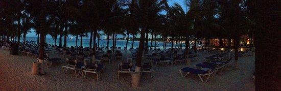 Occidental Costa Cancun : beach