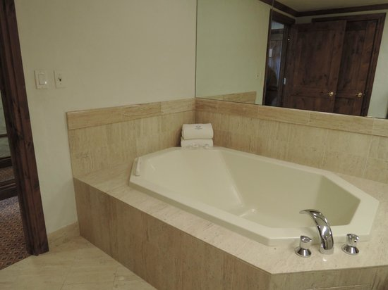 Sonnenalp: large soaking bath tub