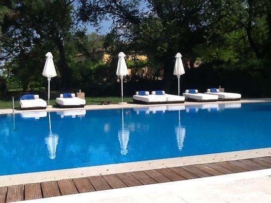 Pelecas Country Club: pool area