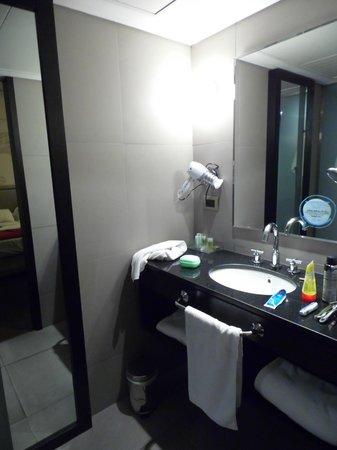 NH Buenos Aires Tango : Banheiro