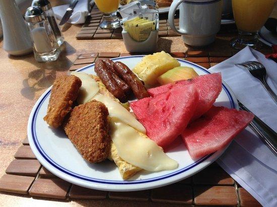 Barcelo Costa Cancun : Breakfast