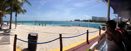 Barcelo Costa Cancun : Beach