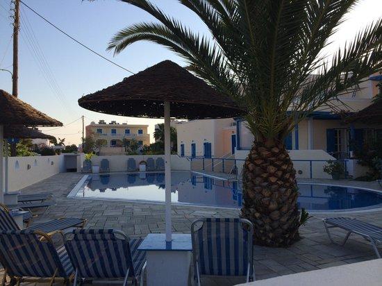 Avra Hotel : Bassenget