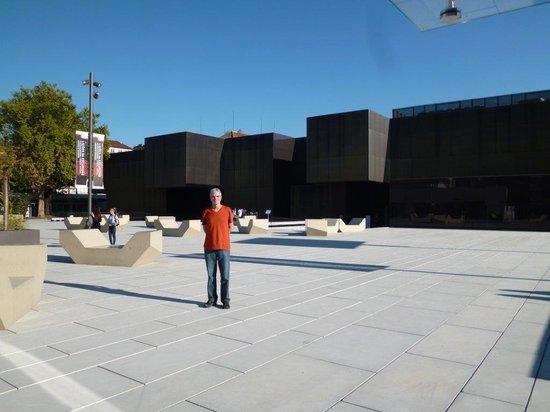 Centro Internacional das Artes Jose Guimaraes