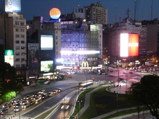 NH Buenos Aires Tango : Vista do quarto - av. 9 de Julho