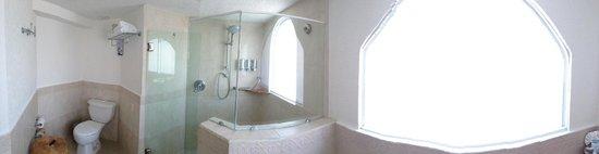 Occidental Costa Cancun : bathroom