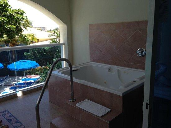 Occidental Costa Cancun : hot tub