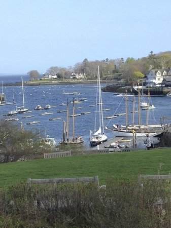 Camden Maine Stay Inn: For those who decide to walk to Camden central...