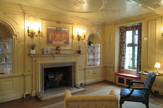 Goddards House and Garden: The Sitting Room