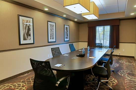 Best Western Plus Miami Airport North Hotel & Suites : Conference Room
