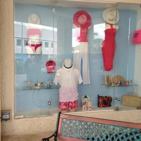 Occidental Costa Cancun: Store on resort