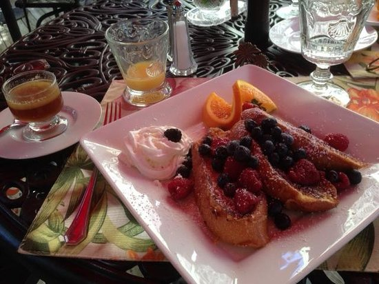 Casa Grandview: breakfast french toast