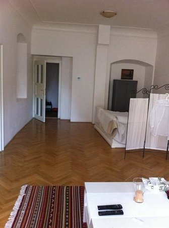 Charles Bridge Apartments: living room