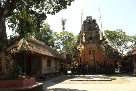 Sukasuka Bali - Day Tours: ウブドの王宮