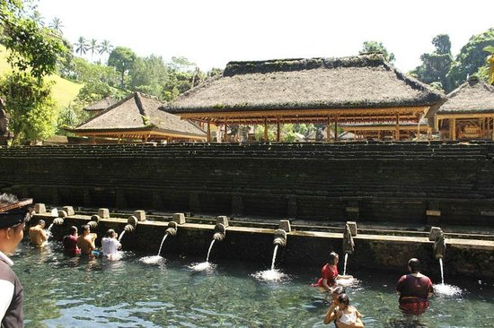 Sukasuka Bali - Day Tours: 聖なる水の寺院