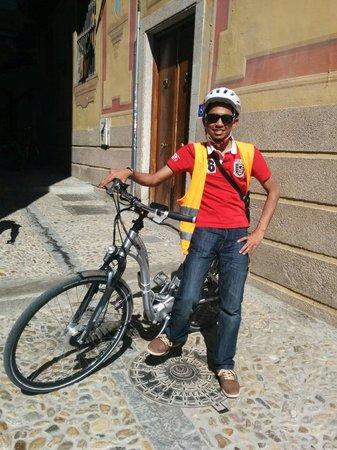 Play Granada: Helmet + Jacket = Never getting lost