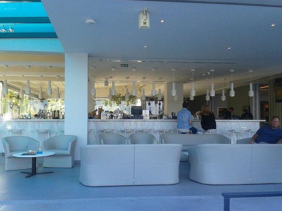 TUI Sensimar Tesoroblu Hotel & Spa: white bar
