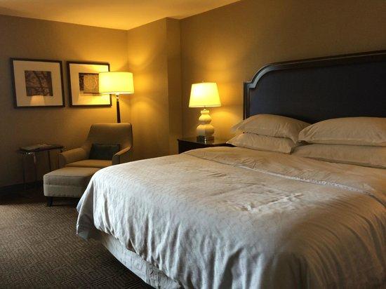 Sheraton New Orleans Hotel : Sheraton Hotel Room