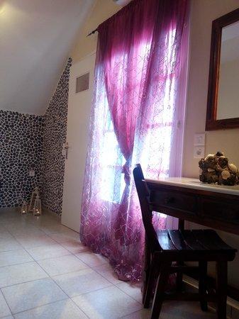 Pension Livadaros: pink room