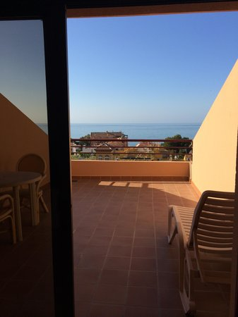 Aparthotel Aguadulce : Sun bed on the terrace