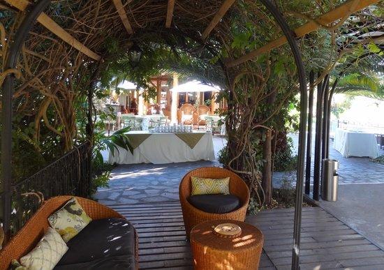 Hotel Santa Cruz: Hotelgarten