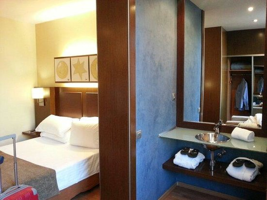 Hotel Acta Atrium Palace: Tocador/lavabo adicional