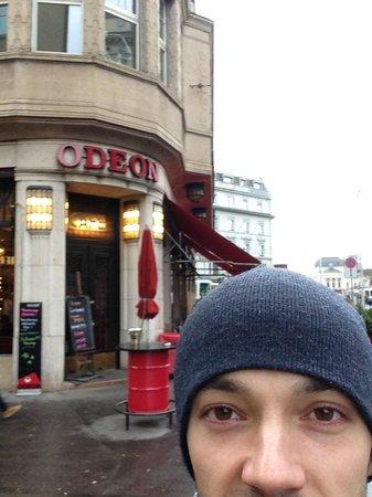 Bahnhofstrasse: Кафе Одеон, где сиживал во время Первой Мировой войны Ленин