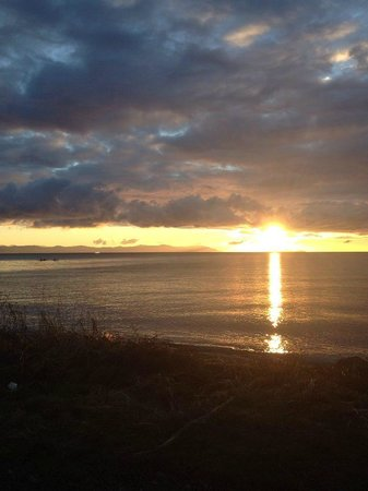 Kye Bay B&B : Sunrise