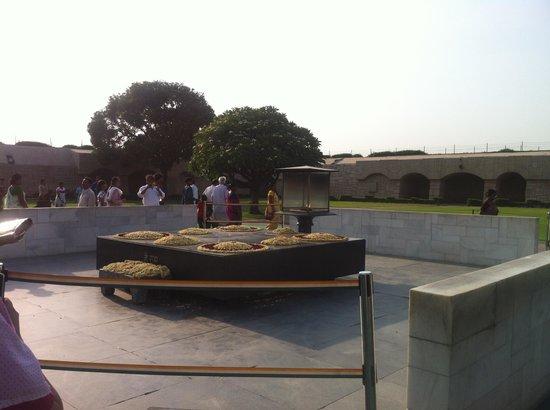 Anila Hotels: Ghandi cremation