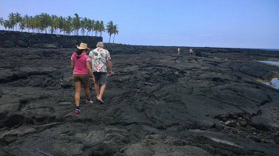 Marylou's Big Island Guided Tours - Private Tours: Pu'uhonua o Honaunau National Park