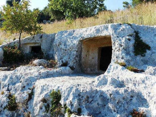 Necropoli di Pantalica: Pantalica 2