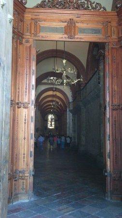 Cathedral of Oaxaca: Esnttada a la iglesia