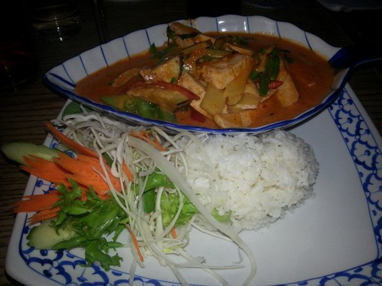 The Cricketers : Red chicken curry - Spicy! !
