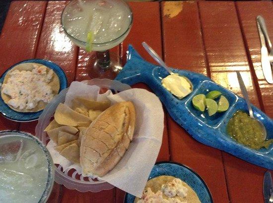 Mariscolandia: Appetizers + Margaritas