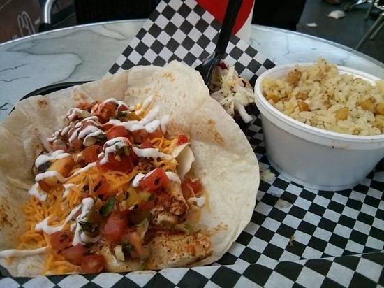 The Tin Fish : grilled mahi mahi taco